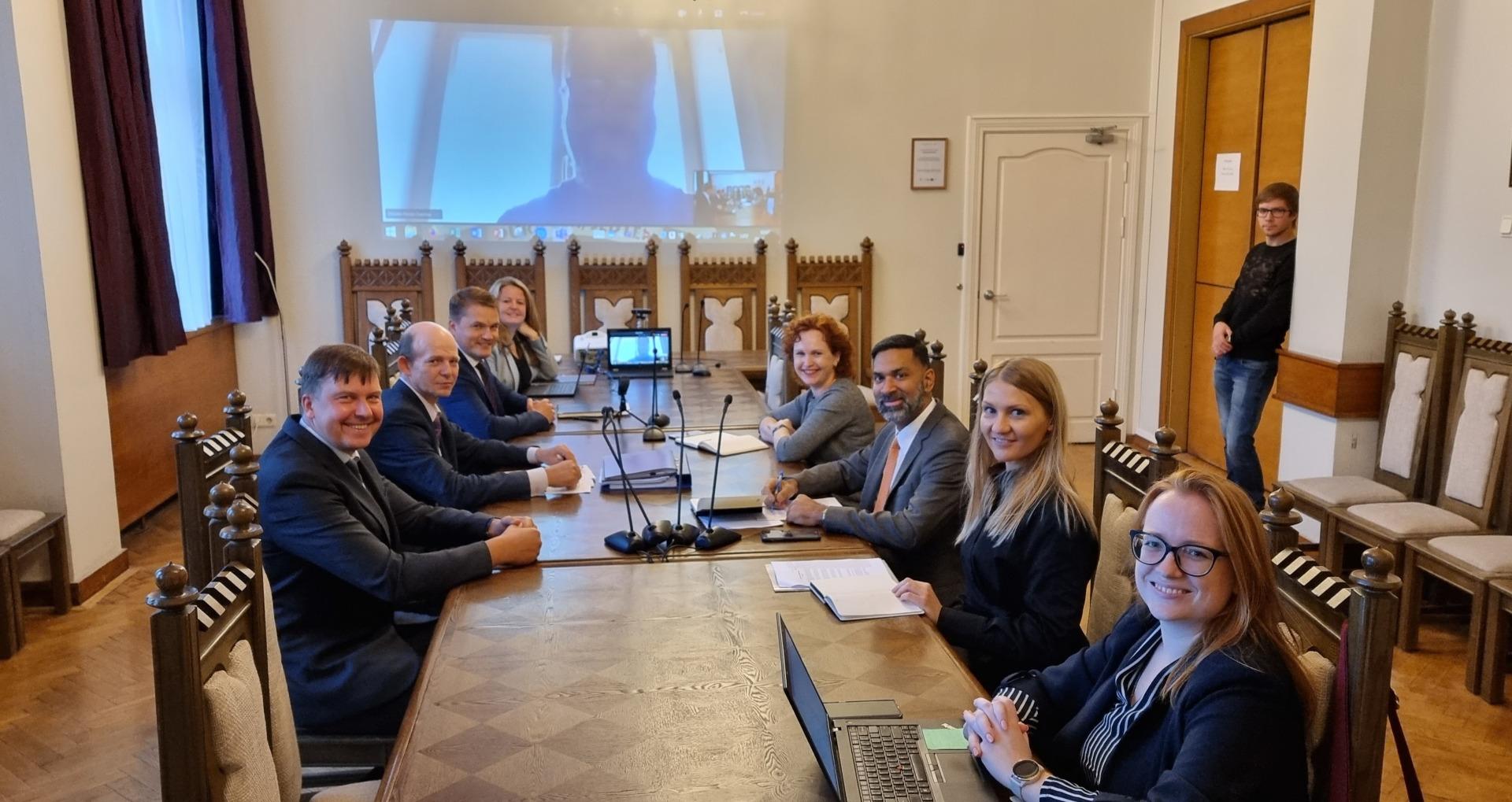 """Prokuratūras pārstāvji tiekas ar """"Sabiedrību par atklātību – Delna""""  un ārvalstu ekspertiem"""